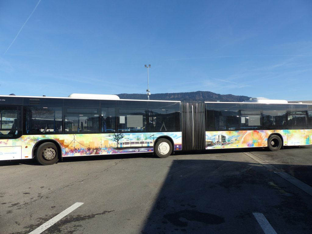 Bandi Joule Léman Express graffiti décoration bus 61