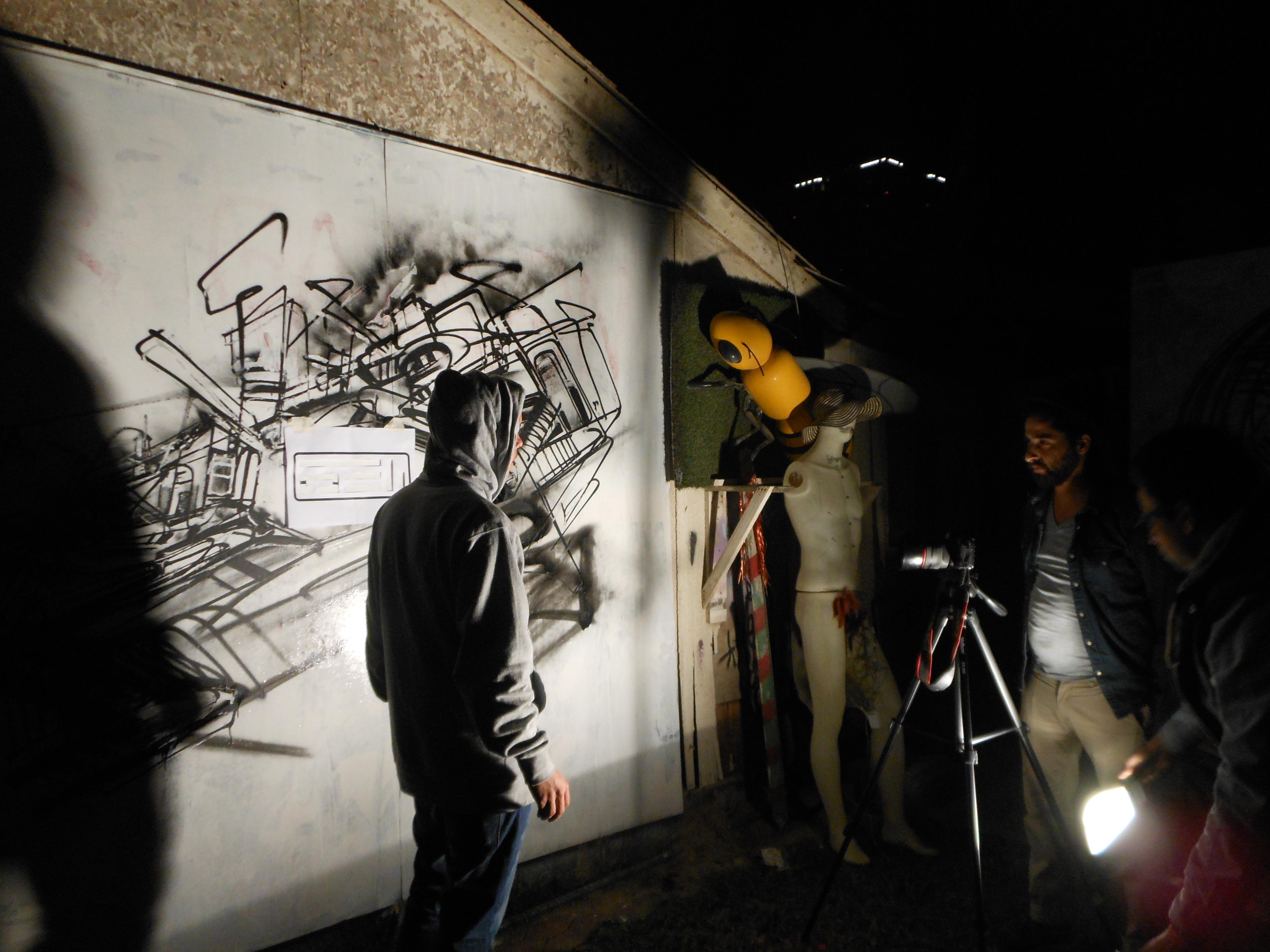 Graffiti video clip en Dubai para AELI-Nadib Bandi pinturas sobre lienzo
