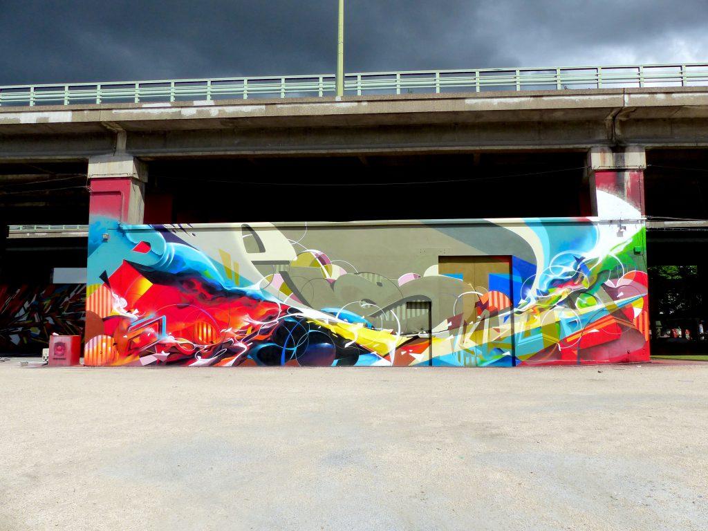 Fresque Graffiti abstrait à La Villlette Lazoo Pest Neok Bandi Lokiss