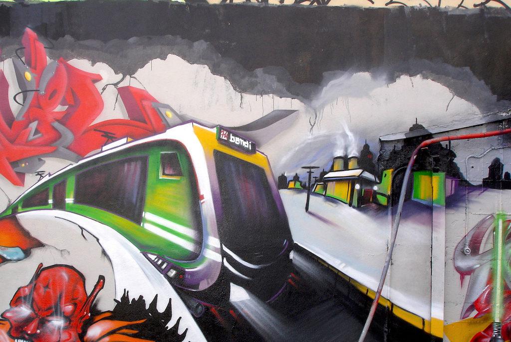Paysage de voie ferrée graffiti à Lyon